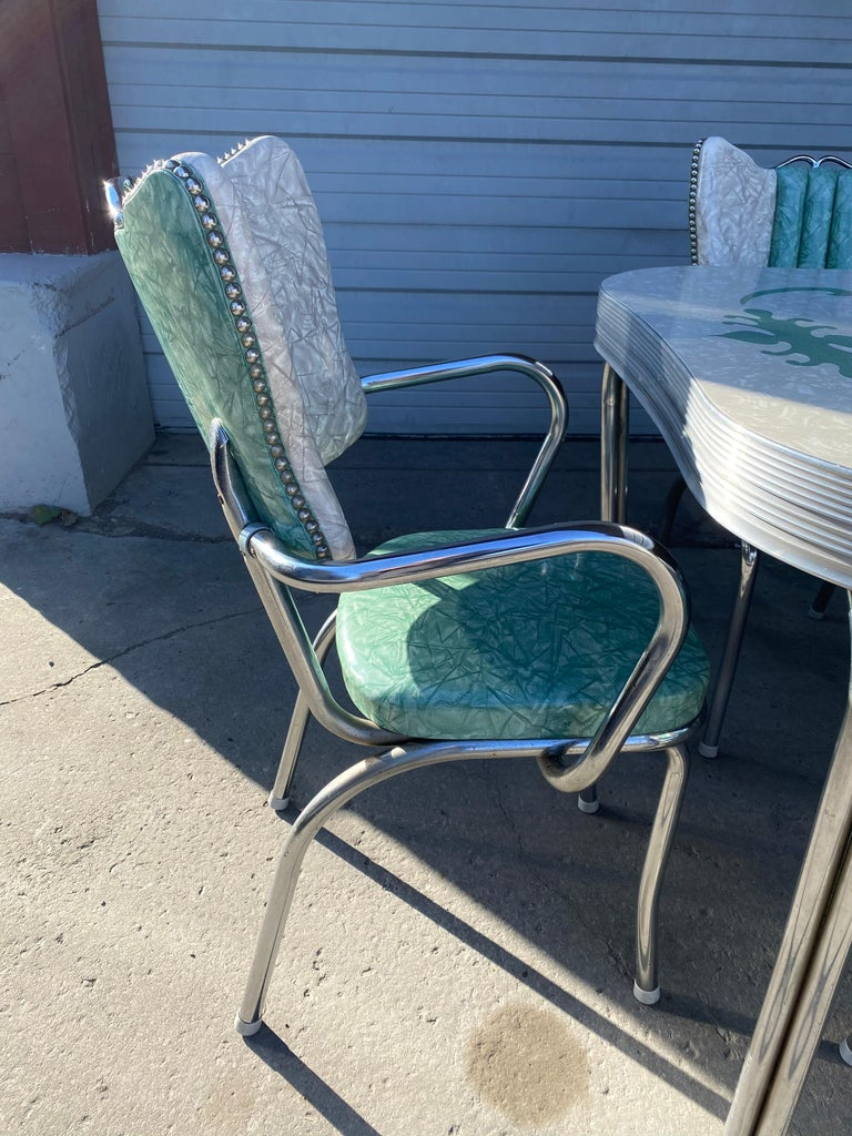 Mid-20th Century Classic Mid-Century Modern Chrome Dinette / Kitchen Set with 2 Captains Chairs For Sale