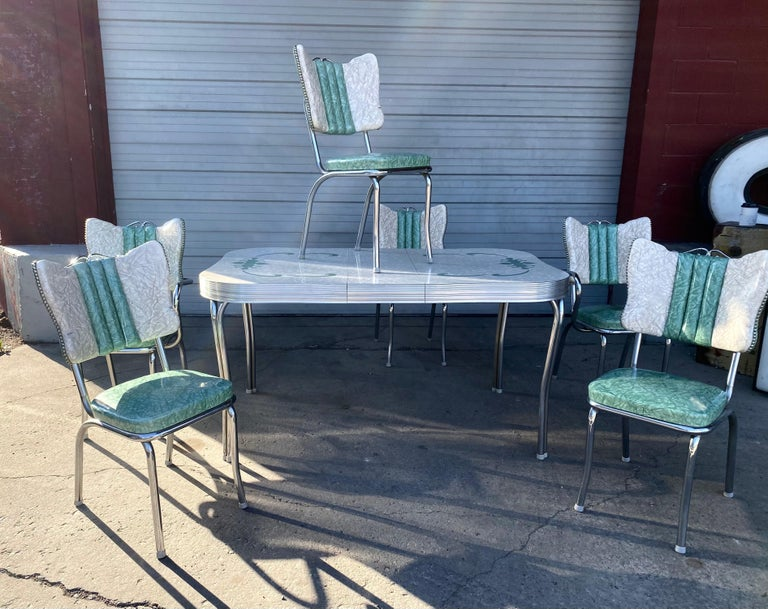 Classic Mid-Century Modern Chrome Dinette / Kitchen Set with 2 Captains Chairs For Sale 3