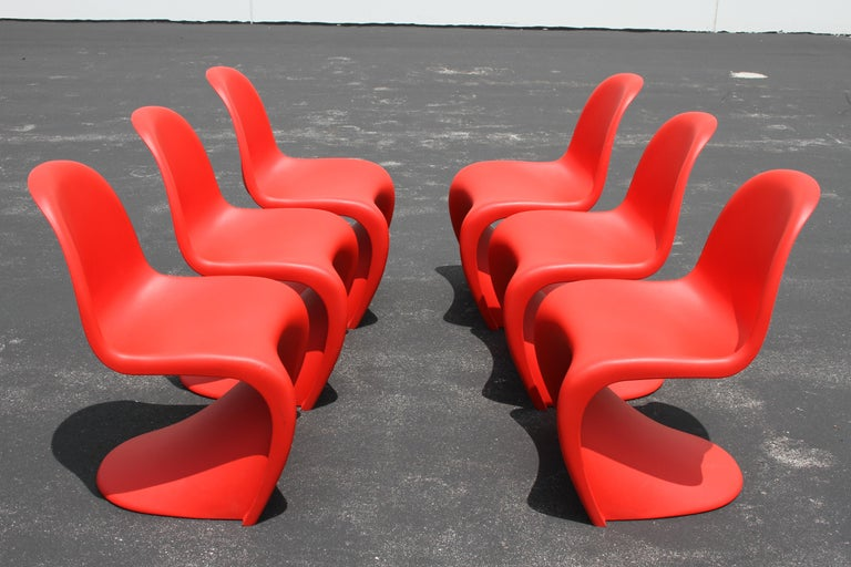 Classic Mid-Century Modern Verner Panton Chair in Red, Vitra Production For Sale 5