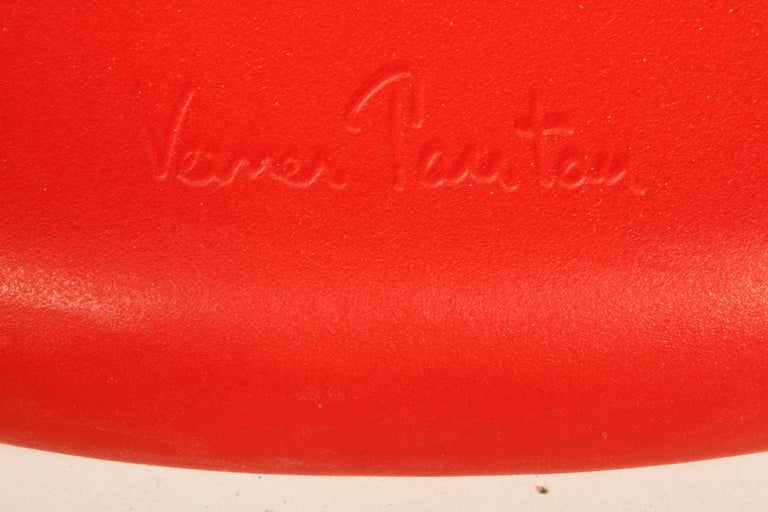 Contemporary Classic Mid-Century Modern Verner Panton Chair in Red, Vitra Production For Sale