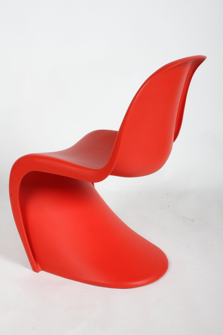 Classic Mid-Century Modern Verner Panton Chair in Red, Vitra Production For Sale 1