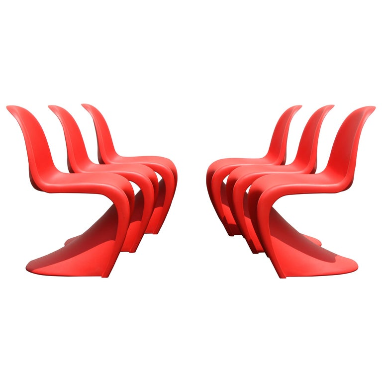 Classic Mid-Century Modern Verner Panton Chair in Red, Vitra Production For Sale
