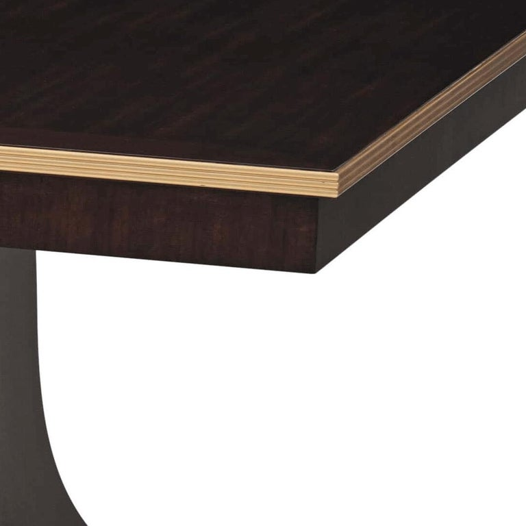 Classic Modern Extending Dining Table In New Condition For Sale In Port Chester, NY