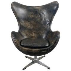 Classic Modernist Leather Tilt/swivel Egg Chair Designed by Arne Jacobsen, 1980s