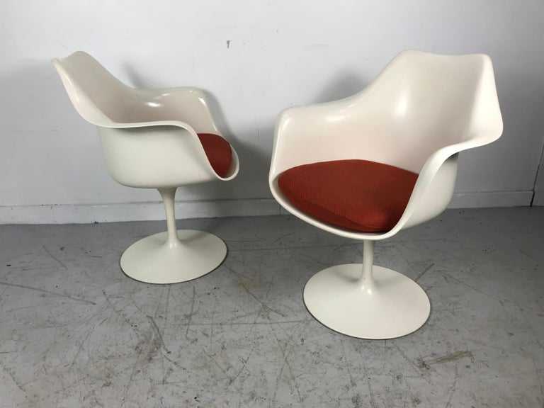 Mid-Century Modern Classic Modernist Pair Tulip Armchairs by Eero Saarinen for Knoll For Sale
