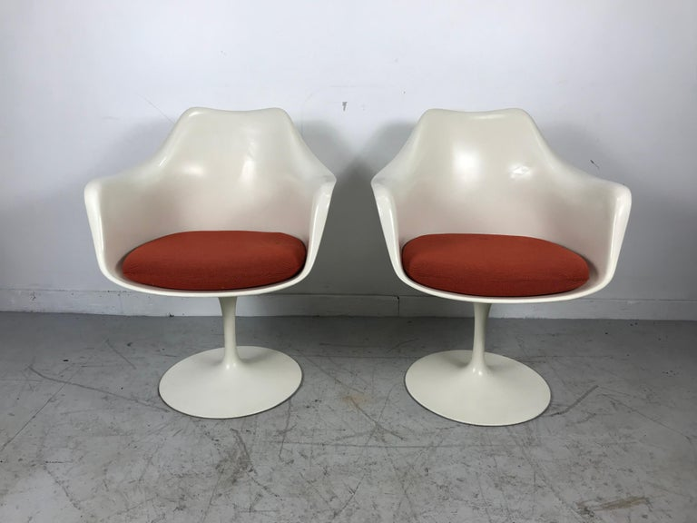 Classic Modernist Pair Tulip Armchairs by Eero Saarinen for Knoll In Good Condition For Sale In Buffalo, NY
