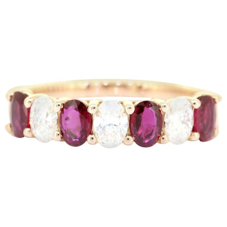 Classic Oval Cut 1.50 Carat Seven Stone Ruby Diamond Ring 18 Karat Yellow Gold For Sale