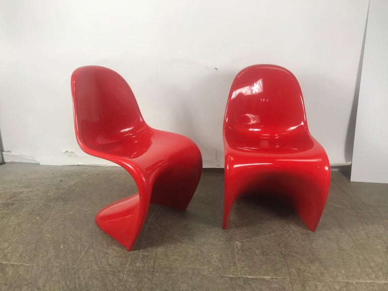Mid-Century Modern Classic Pair of Red Molded Plastic 'S' Chairs by Verner Panton for Vitra For Sale