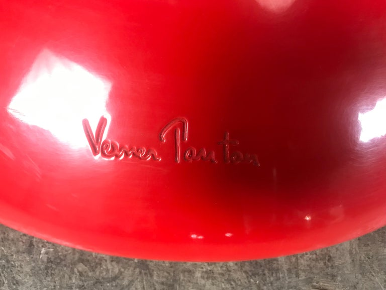 Classic Pair of Red Molded Plastic 'S' Chairs by Verner Panton for Vitra For Sale 3