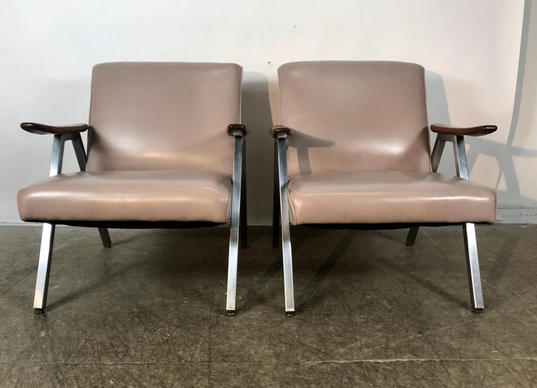 American Classic Pair of Royal Chrome Aluminum Lounge Chairs For Sale
