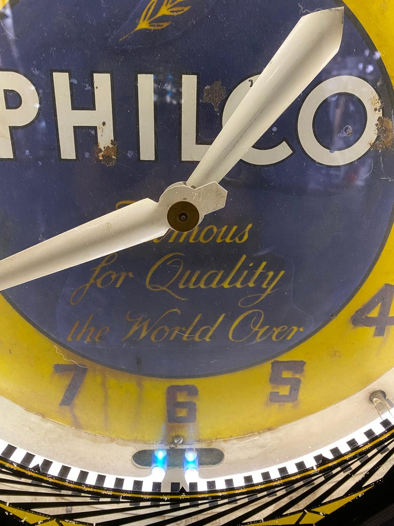 Mid-20th Century Classic Philco Neon Spinner Clock, Neon Products / Lima Ohio For Sale