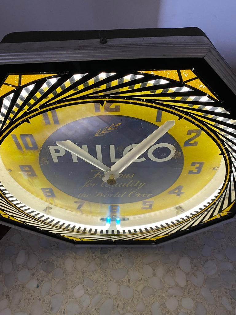 Metal Classic Philco Neon Spinner Clock, Neon Products / Lima Ohio For Sale