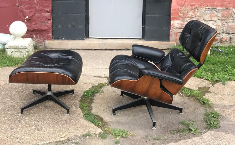 Classic Rosewood and Leather Eames Lounge Chair and Ottoman Herman Miller 3
