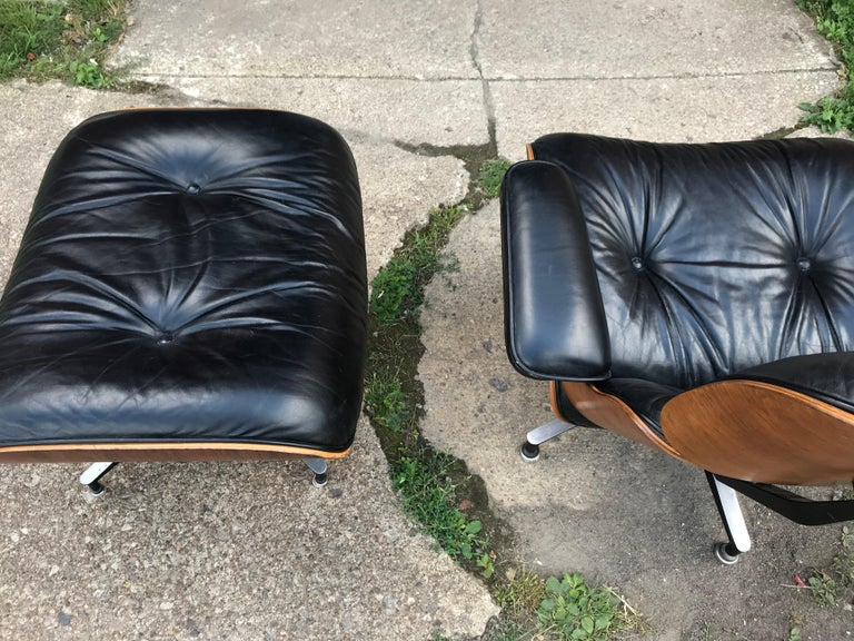Aluminum Classic Rosewood and Leather Eames Lounge Chair and Ottoman Herman Miller