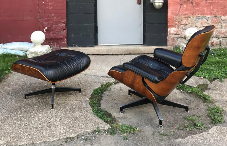 Classic Rosewood and Leather Eames Lounge Chair and Ottoman Herman Miller 1