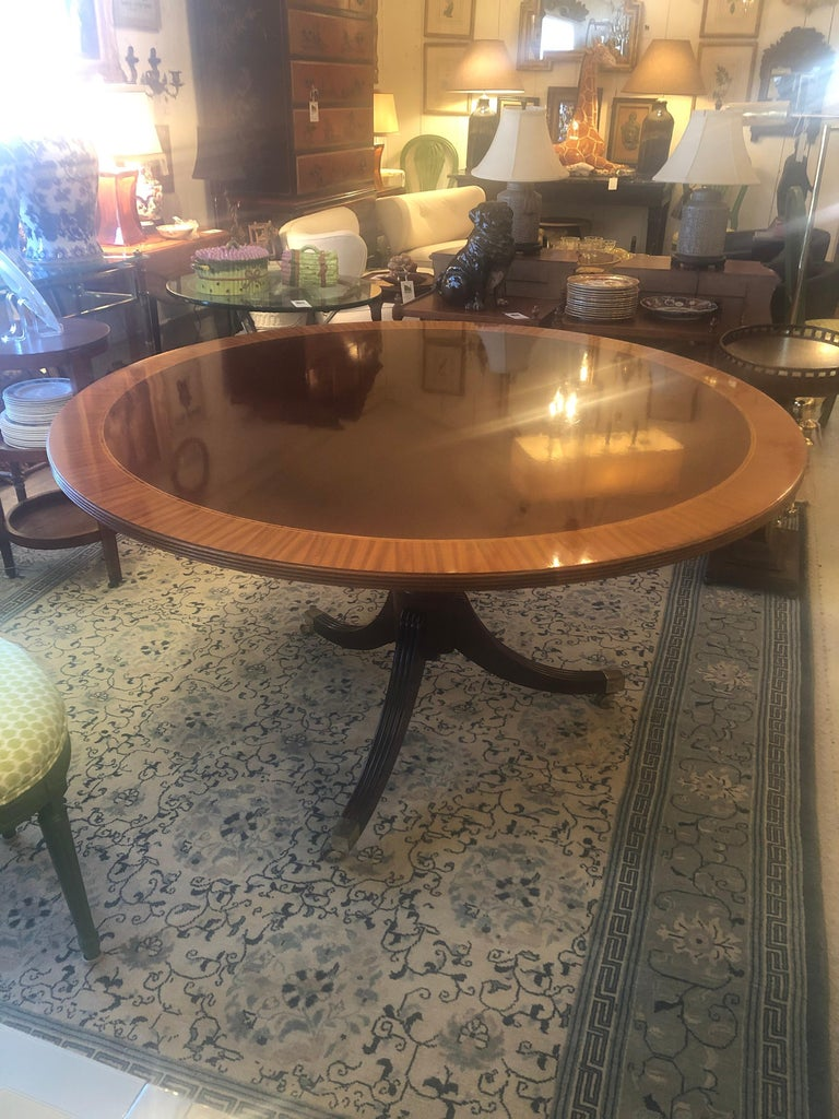 Classic Round Mahogany and Banded Satinwood Dining Table Center Table For Sale 2