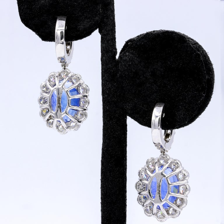 Classic Sapphire Diamond Earring with GIA Certified Violetish Blue Sapphires In New Condition For Sale In New York, NY