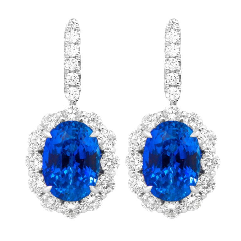 Classic Sapphire Diamond Earring with GIA Certified Violetish Blue Sapphires For Sale