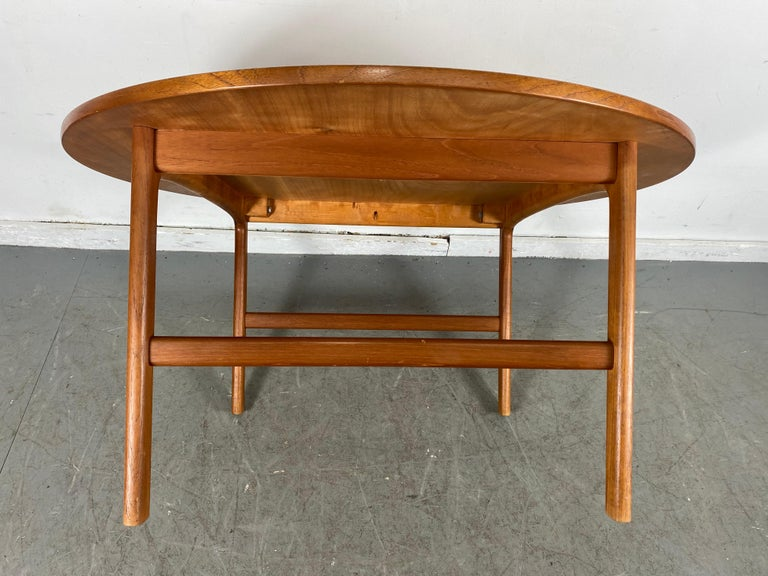 Classic Scandinavian Modern Teak Coffee / Cocktail Table by Folke Ohlsson For Sale 1