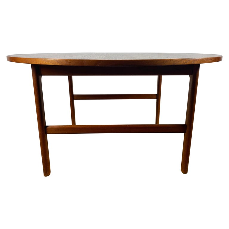 Classic Scandinavian Modern Teak Coffee / Cocktail Table by Folke Ohlsson For Sale