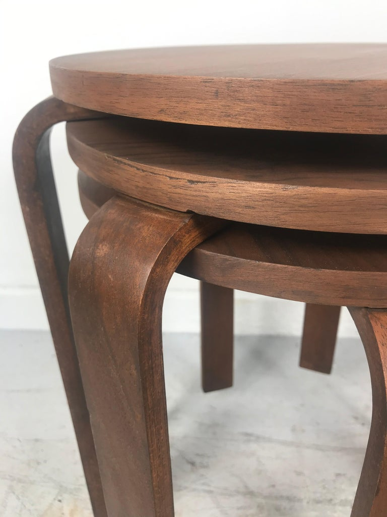 Mid-20th Century Classic Set of 3 Walnut Stacking Stools Manufactured by Thonet after Alvar Aalto For Sale