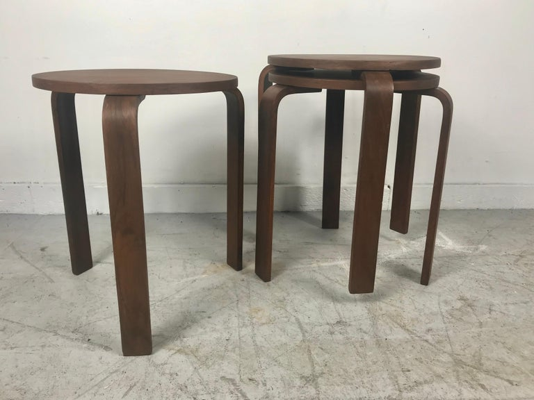 Classic Set of 3 Walnut Stacking Stools Manufactured by Thonet after Alvar Aalto For Sale 1
