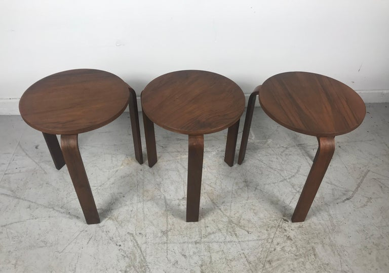 Classic Set of 3 Walnut Stacking Stools Manufactured by Thonet after Alvar Aalto For Sale 2