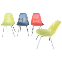 Classic Set of 4 Charles Eames Fiberglass Scoop /Side Chairs 1950s Herman Miller