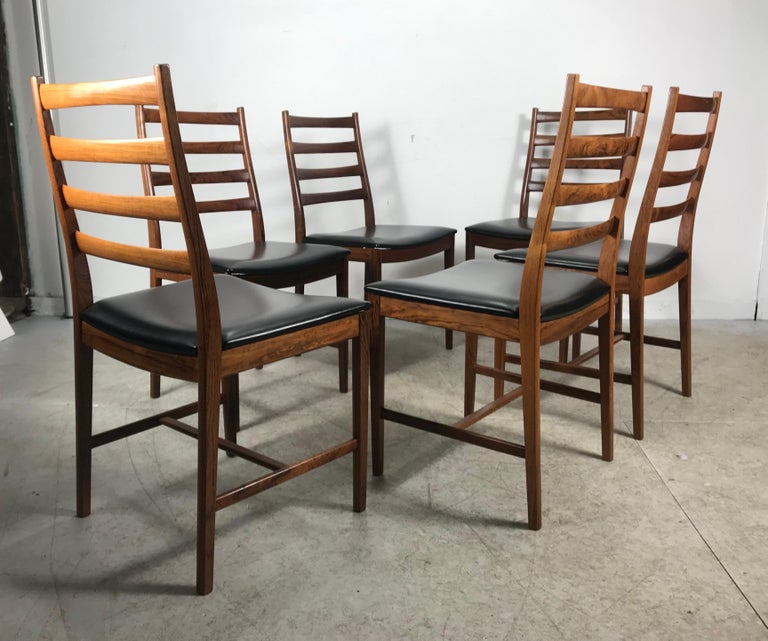 Classic Set of 6 Rosewood Ladder Back Dining Chair by Westnofa, Norway In Excellent Condition For Sale In Buffalo, NY