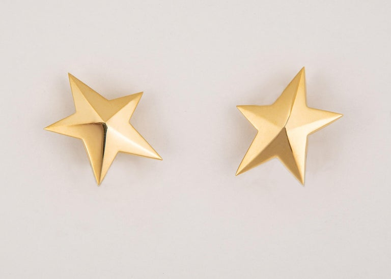 Classic Tiffany & Co. Gold Star Earrings In Excellent Condition For Sale In Atlanta, GA