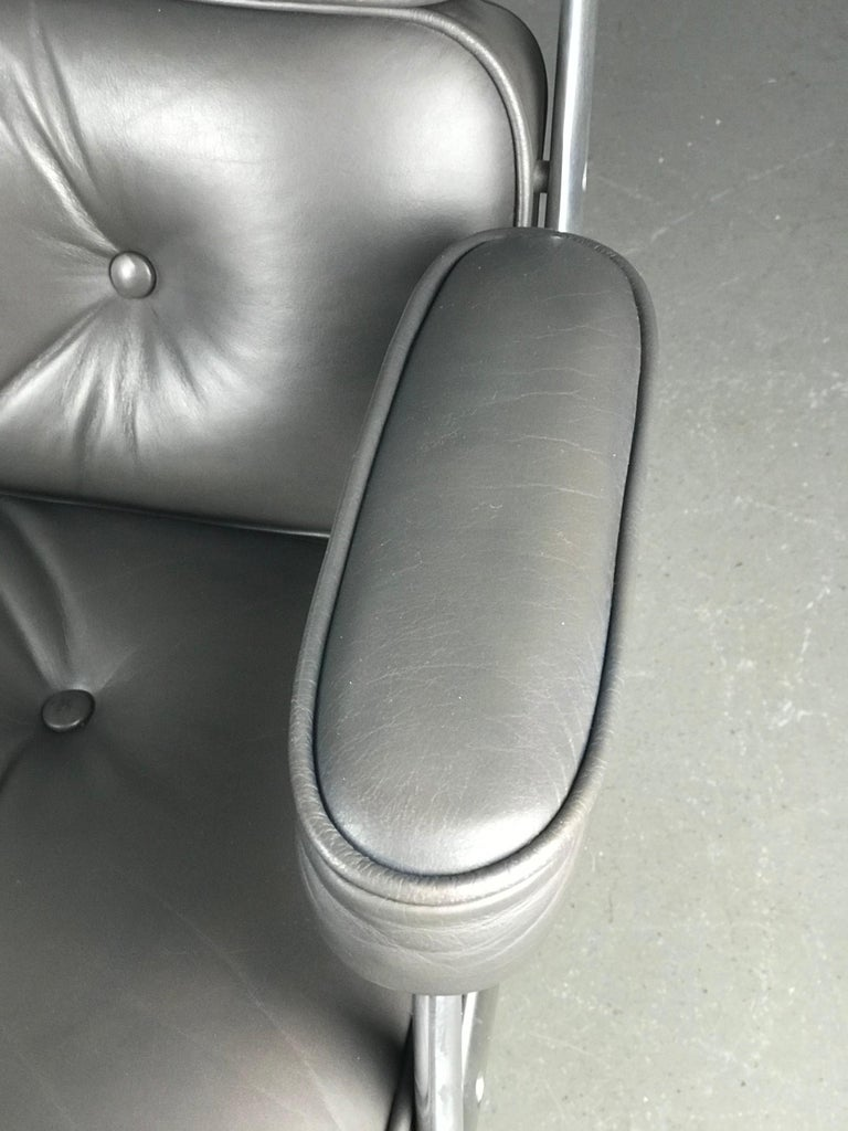 Classic Time Life Lounge Chair by Charles and Ray Eames for Herman Miller 5