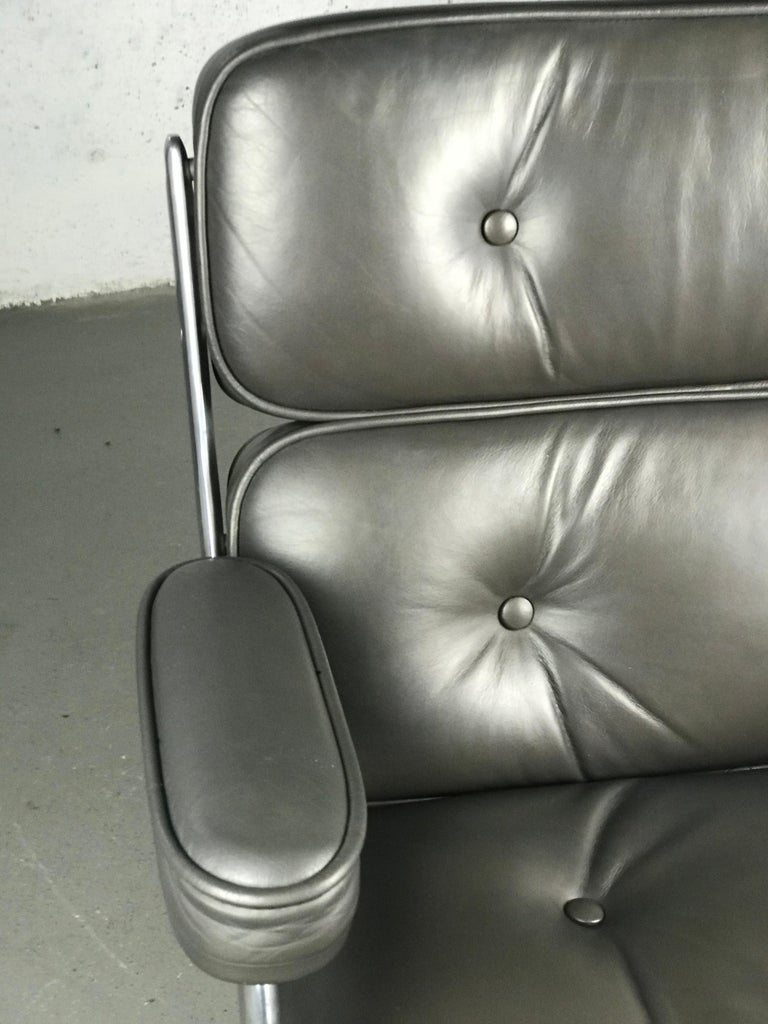 Classic Time Life Lounge Chair by Charles and Ray Eames for Herman Miller 9