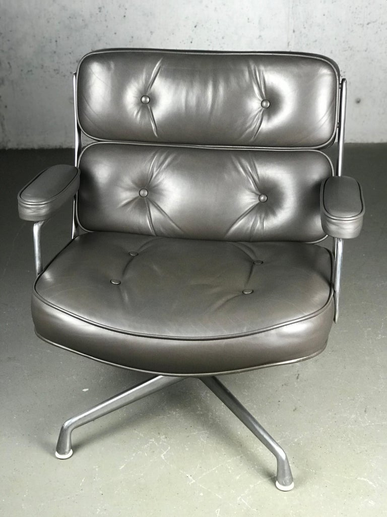 Classic Time Life Lounge Chair by Charles and Ray Eames for Herman Miller 11