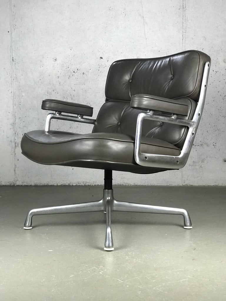 Classic Time Life Lounge Chair by Charles and Ray Eames for Herman Miller 13