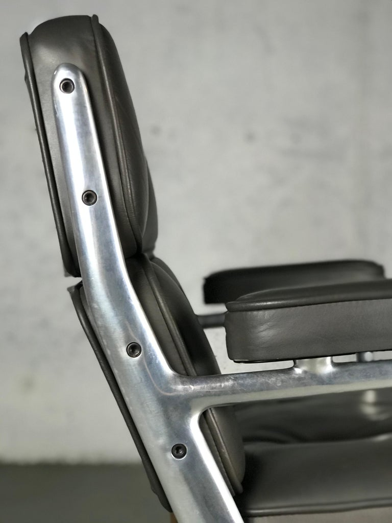 Aluminum Classic Time Life Lounge Chair by Charles and Ray Eames for Herman Miller