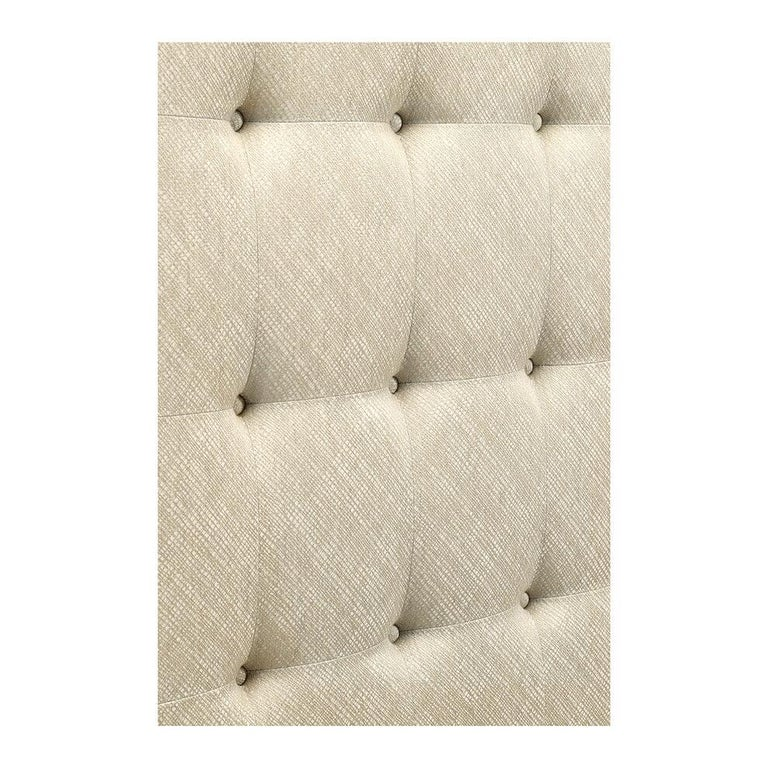 Classic Tufted King Size Bed In New Condition For Sale In Port Chester, NY