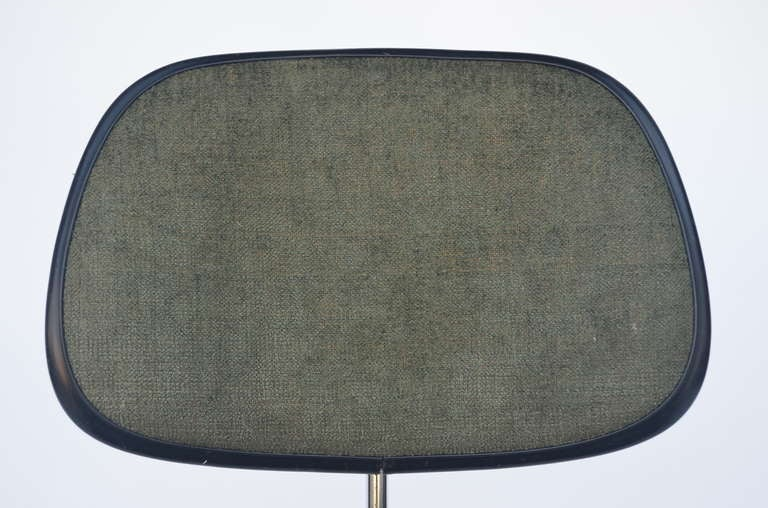 Classic Vintage Charles and Ray Eames for Herman Miller DCM Chair For Sale 3
