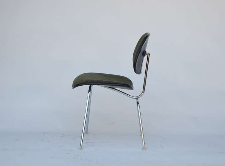 American Classic Vintage Charles and Ray Eames for Herman Miller DCM Chair For Sale