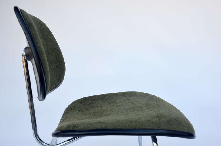 Upholstery Classic Vintage Charles and Ray Eames for Herman Miller DCM Chair For Sale