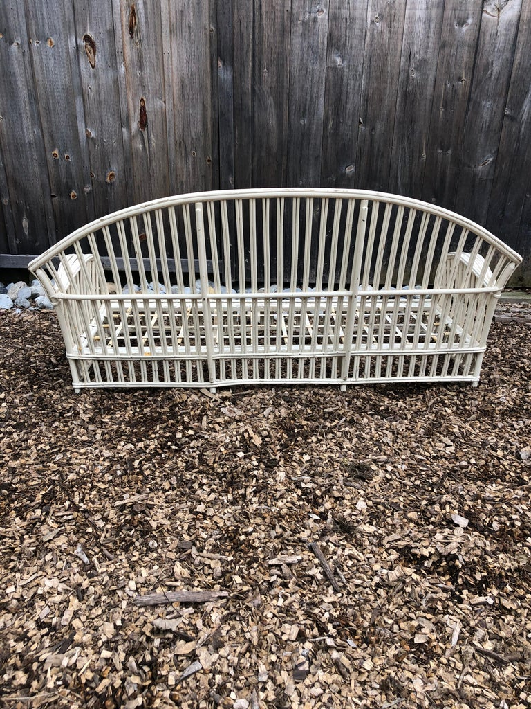 Classic Vintage Painted Rattan Sunroom Sofa In Distressed Condition For Sale In Hopewell, NJ