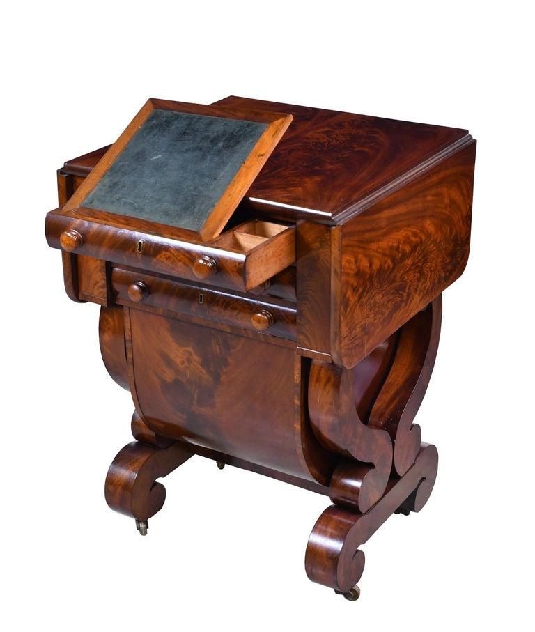 Classical American Empire Grecian-Form Work Table in Mahogany, circa 1830 Boston In Good Condition For Sale In Miami, FL