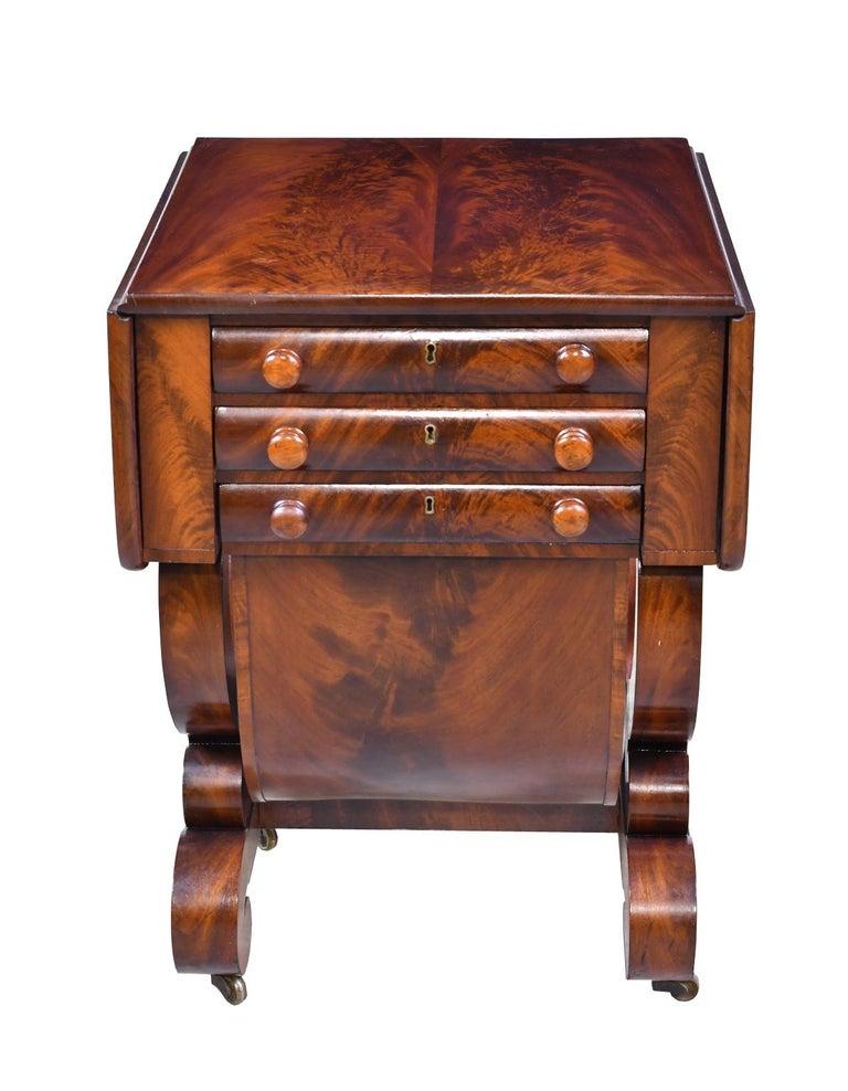 Classical American Empire Grecian-Form Work Table in Mahogany, circa 1830 Boston For Sale 1