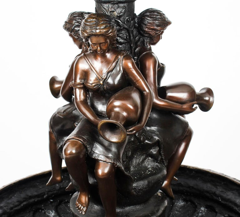 Classical Bronze Three-Tier Freestanding or Pond Garden Fountain 20th Century In Excellent Condition For Sale In London, GB