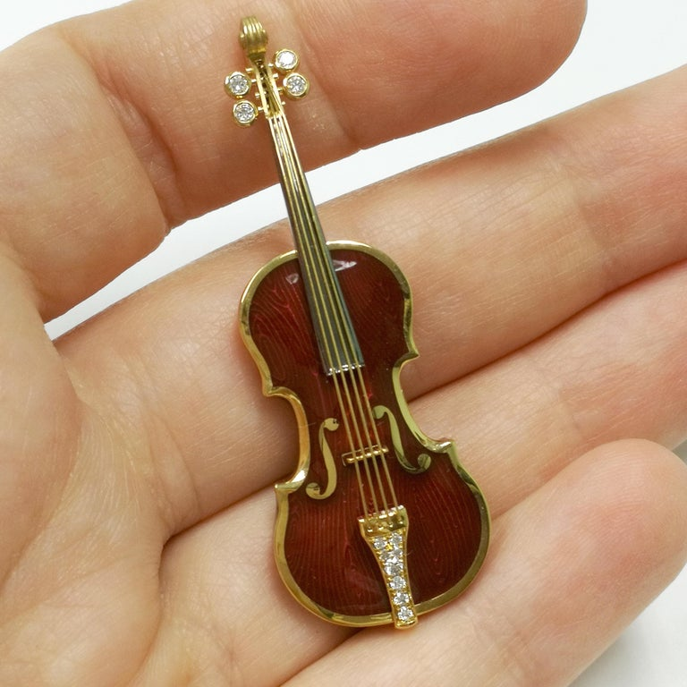 Women's or Men's Classical Enamel Diamond 18 Karat Yellow Gold Violin Brooch For Sale