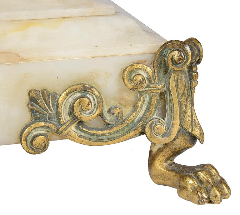 Classical French Louis XVI Style Mantel Clock, 19th Century For Sale 4