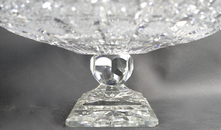 Classical Style Cut Glass Tazza In Excellent Condition For Sale In New York, NY