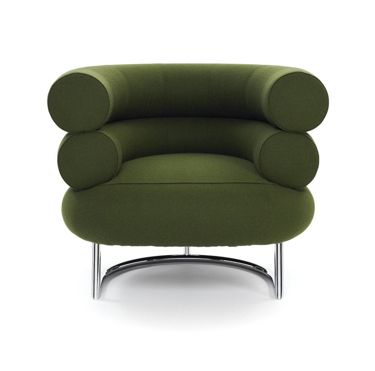 Bibendum is one of a kind. Nowhere in the history of design will one find an armchair that compares to this. It is captivatingly harmonious despite its size and unites a majestic impressiveness with charm and esprit like no other leather armchair.