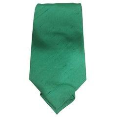 Claude Montana green tie
