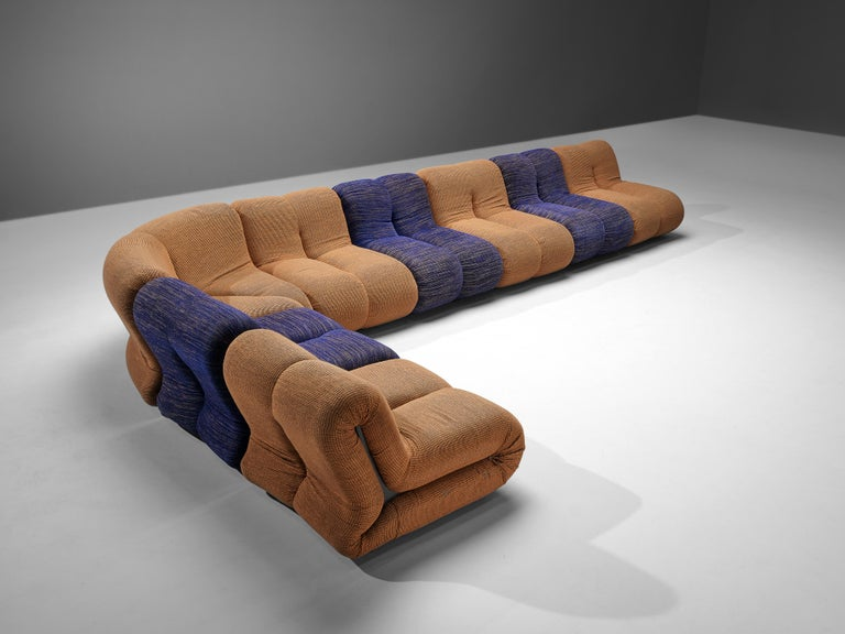 Claudio Vagnoni for 1P, 'Pagru' modular sofa, blue and brown fabric upholstery, Italy, 1968   Striking 'Pagru' modular sofa designed in Italy by Claudio Vagnoni, manufactured by 1P in 1969. Each seating elements consists of two L-shaped forms that