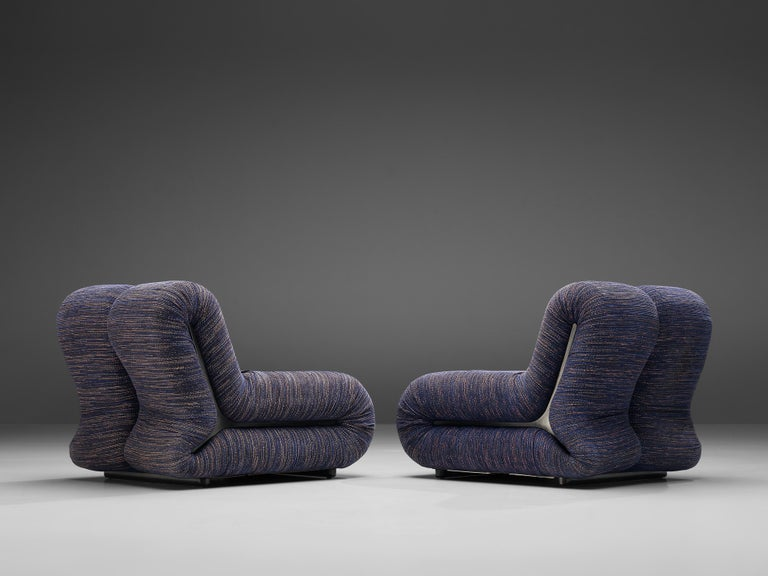 Italian Claudio Vagnoni for 1P Pair of 'Pagru' Lounge Chairs in Blue Upholstery For Sale